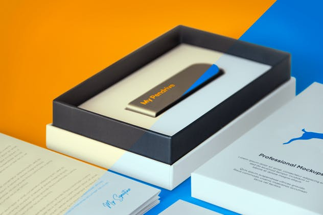 Open Product Box with Pendrive PSD Mockup - product preview 5
