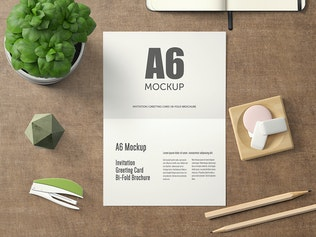 Thumbnail für A6 Querformat Bi-Fold Grußkarte Mockup - Set 1