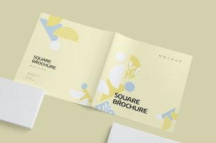Thumbnail für Zwei gefaltete quadratische Broschüre Mock-ups