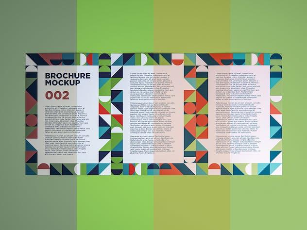 Brochure Mockup 002