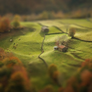 Thumbnail for Miniature Tilt Shift Blur Action