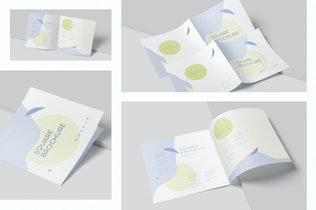Thumbnail für Zwei faltbare breite quadratische Broschüre Mock-ups
