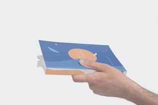 Thumbnail für Digest Size Buch Mock-ups