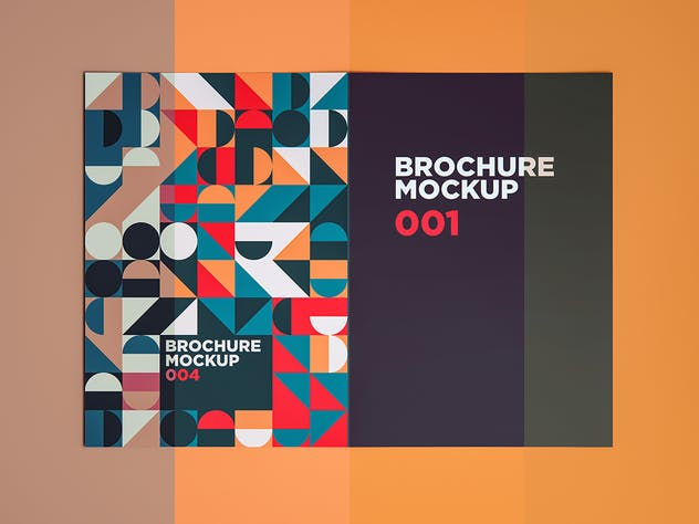 Brochure Mockup 004