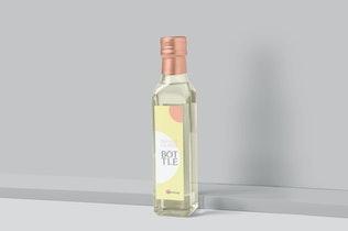 Thumbnail für Quadratische Glasflasche Etikett Mock-ups